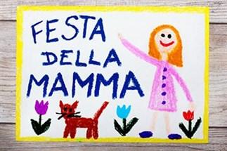 Idee per la Festa della Mamma: fare le faccende domestiche per far sorridere la Mamma